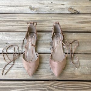 Breckelle's tan lace up flats